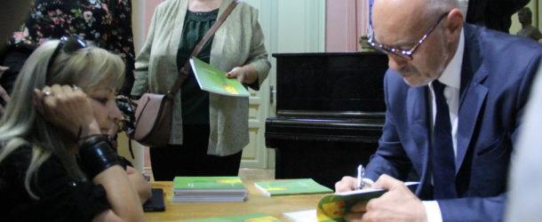 """Lansarea volumului """"Cruciri din ochi de pălimar"""", la Muzeul Municipal Călărași"""