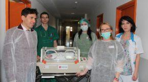 Salvati Copiii doteaza Spitalul din Calarasi cu aparatura medicala si mobilier spitalicesc in valoare de 42.000 euro – 2% din impozitul pe venit salveaza nou-nascutii prematur