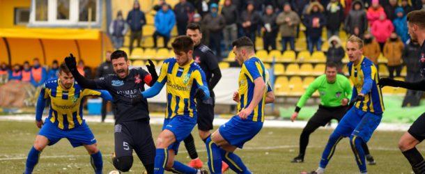 Fotbal / Liga a 2-a / Dunărea – Hermannstadt 0 – 0 / Derby înghețat!