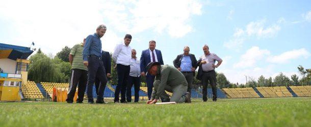 """Lucrările de modernizare la Stadionul Municipal """"Ion Comșa"""" sunt în grafic"""