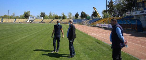 S-a montat instalația de nocturnă pe stadion